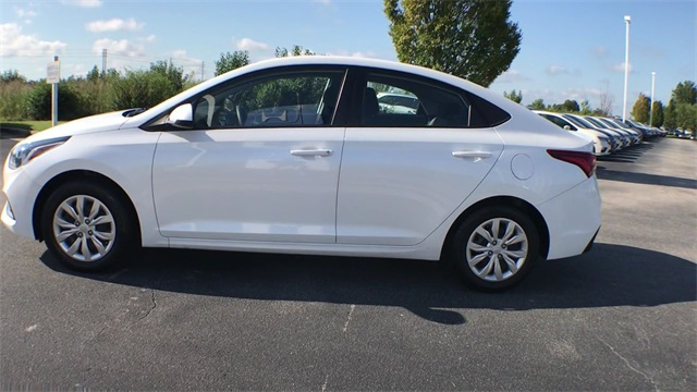 Pre-Owned 2018 Hyundai Accent SE