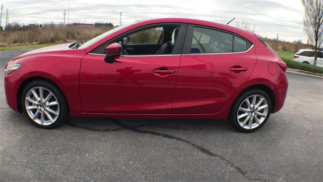 Pre-Owned 2017 Mazda3 Touring 2.5 Base