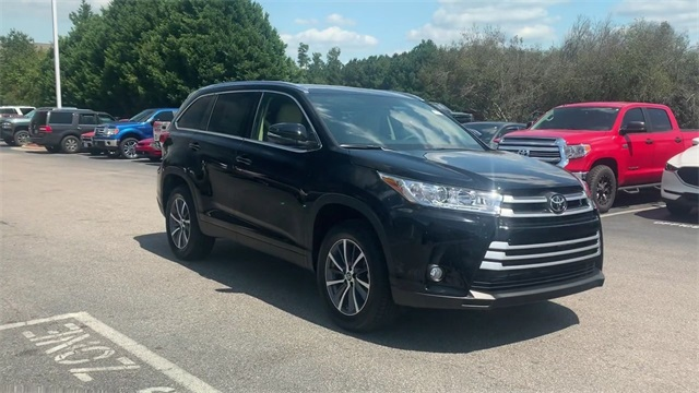 Pre-Owned 2019 Toyota Highlander XLE